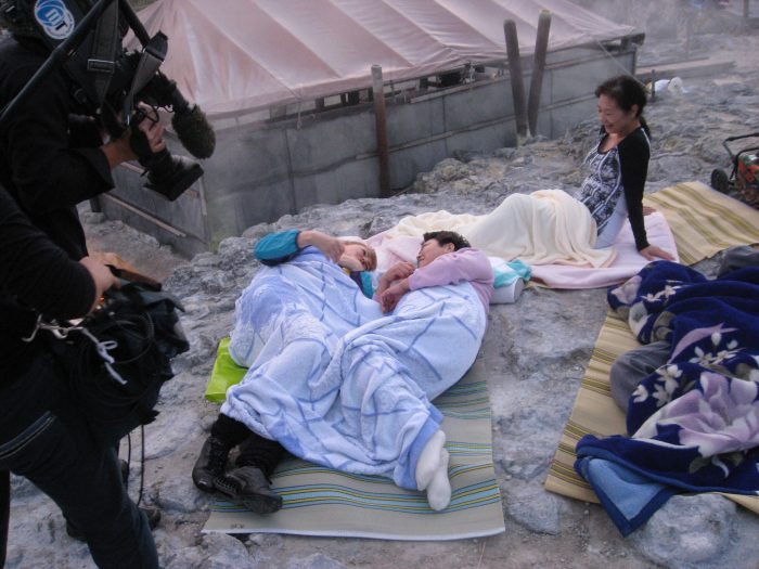 In bed together! Judit Kawaguchi joined a guest on the hot rocks of Tamagawa onsen