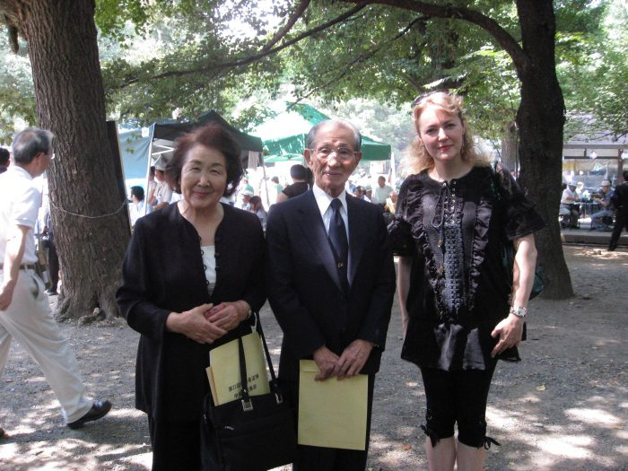 Machie and Hiroo Onoda with Judit Kawaguchi at Yasukuni Shrine