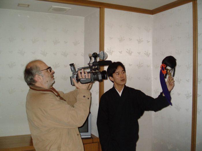 Radovan Tadic filming bunraku puppeteers in Osaka. Pic by Judit Kawaguchi