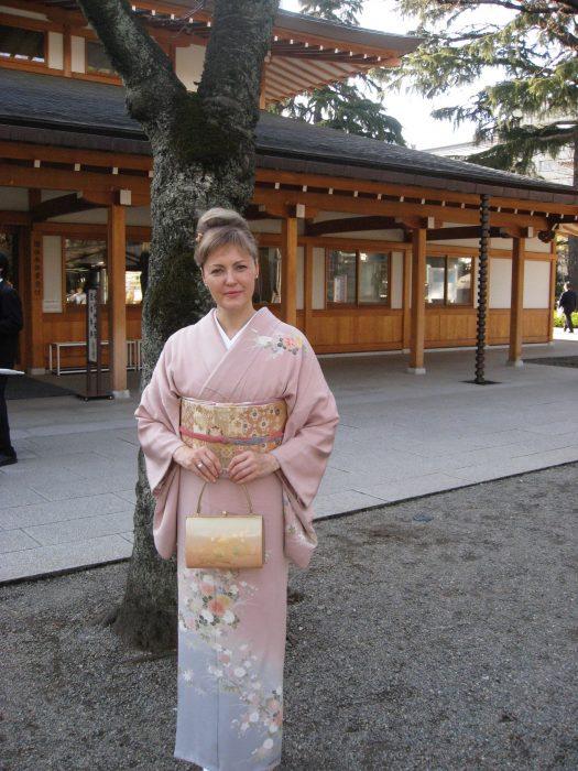 Judit Kawaguchi in kimono at Yasukuni shrine