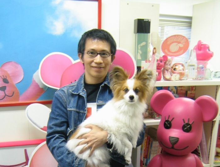 Artist Kazuhiko Hachiya and his cute dog,Ten and his kawaii creation PostPet. Photo by Judit Kawaguchi