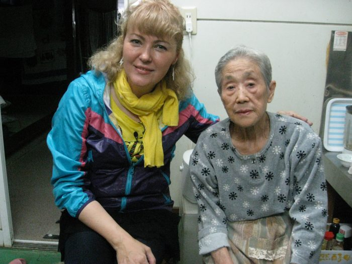Judit Kawaguchi with one of the lovely guests staying at Tamagawa onsen.